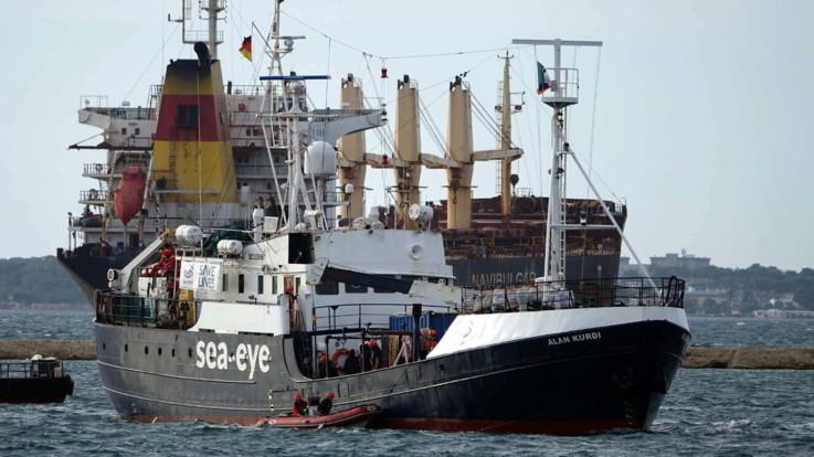 Migranti, Viminale: sbarchi dimezzati nel 2019