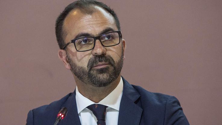 Governo, ministro Fioramonti consegna lettera dimissioni a Conte