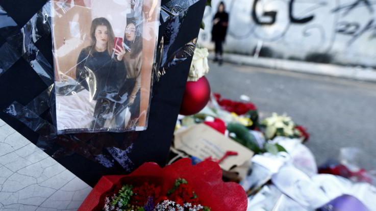 Sedicenni uccise a Roma: l'ultimo saluto a Gaia e Camilla