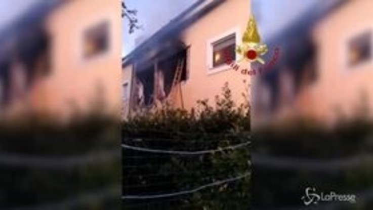 Terni, esplosione in abitazione: 4 le persone ferite