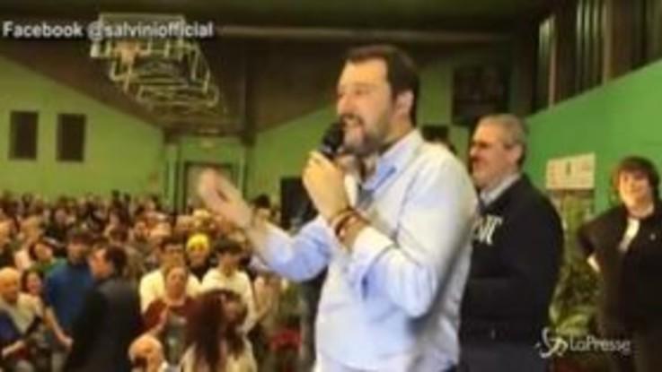 """Salvini: """"Il 31 tutti ad ascoltare Mattarella"""". E piovono fischi dal pubblico"""