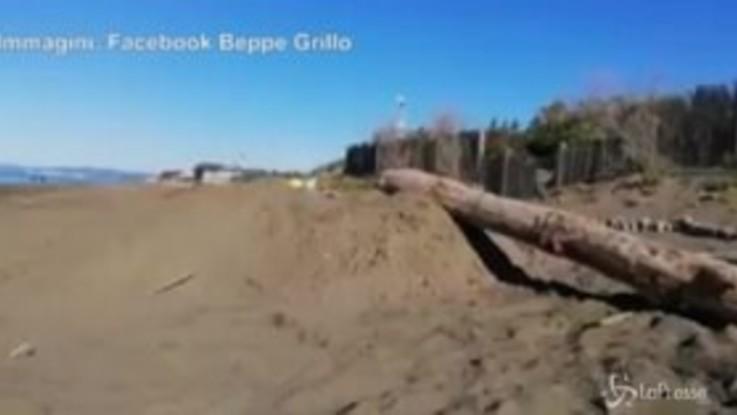 """Gli auguri di Grillo mentre si scava la fossa: """"Sarà un meraviglioso 2020"""""""