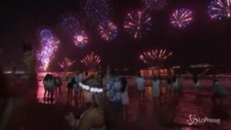 Capodanno a Copacabana, anche il Brasile dà il benvenuto al 2020