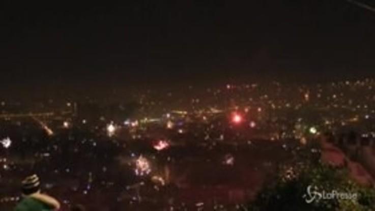 Capodanno: Napoli esplode per salutare il nuovo anno, il time lapse