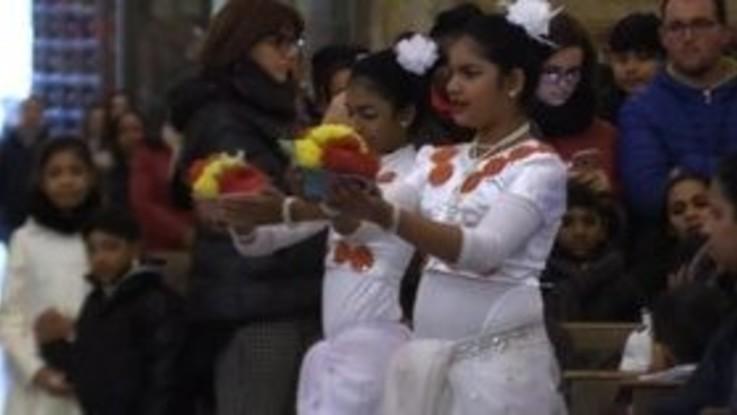 Epifania, la messa multietnica al Duomo di Napoli
