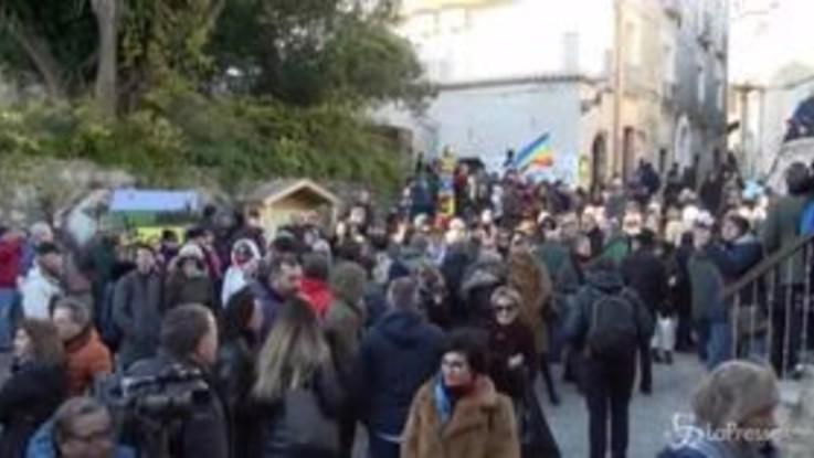 """Le Sardine con Mimmo Lucano: """"Epifania, ogni Salvini porta via"""""""