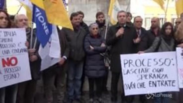 Prescizione, a Montecitorio il presidio con la Bonino, Calenda, Parisi e Della Vedova