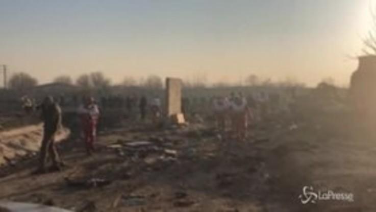 Iran, aereo ucraino precipita dopo il decollo: 170 morti