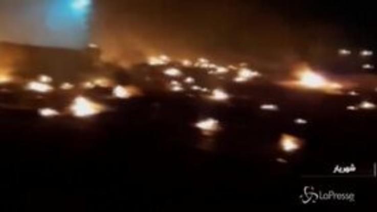 Iran, aereo ucraino precipita vicino a Teheran: i resti in fiamme