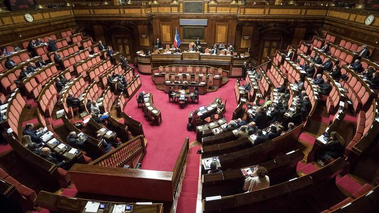 Riforme, raggiunta quota 64 firme per richiesta referendum taglio eletti