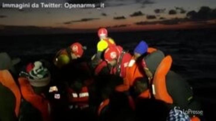 Migranti, Open Arms soccorre nufraghi nel Mediterraneo