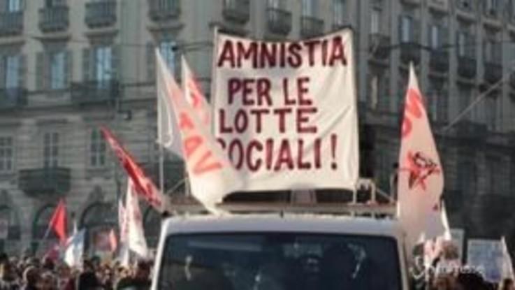 """Torino, No Tav in marcia per Nicoletta Dosio: """"Vogliamo un'amnistia per i reati sociali"""""""