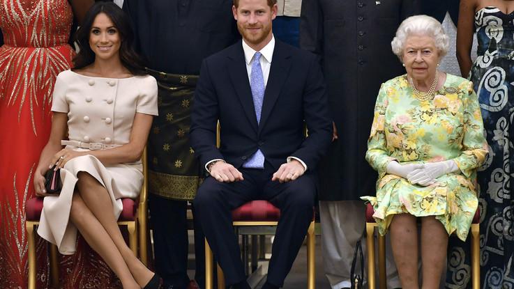 Harry e Meghan, la regina convoca vertice d'emergenza per lunedì