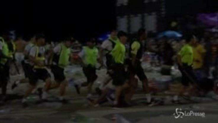 Brasile, al via il carnevale di Rio: scontri e disordini