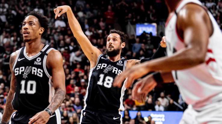 Nba: Spurs di Belinelli sbancano Toronto, Clippers cadono a Denver