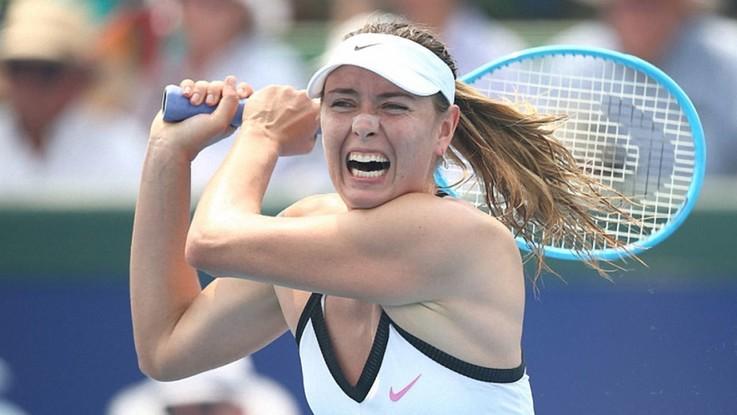 Australian Open: aria irrespirabile, sospesa l'esibizione della Sharapova