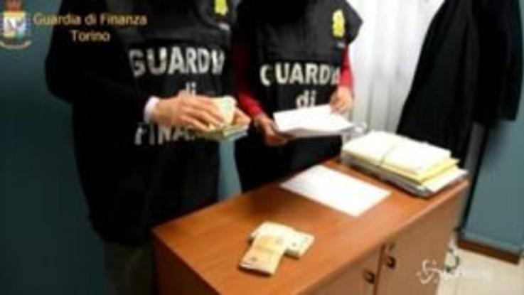 Torino, prestavano soldi a tassi di usura fino al 300%: un arresto