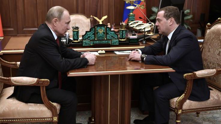 Russia, il premier Medvedev si è dimesso