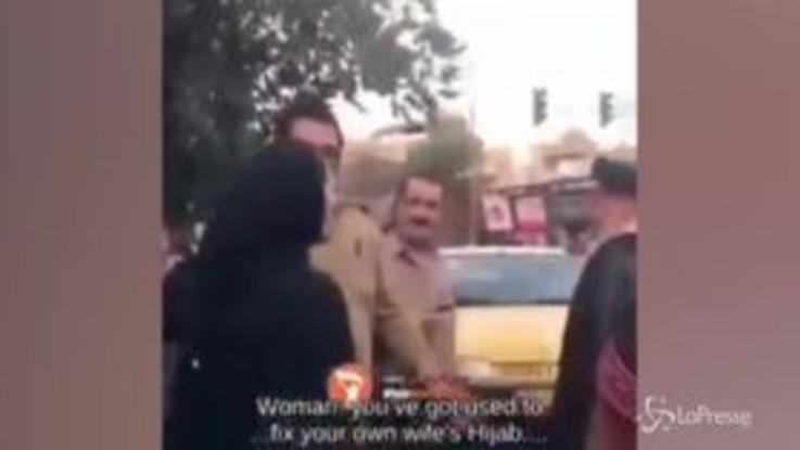 Iran, la donna sfida il mullah e si toglie il velo