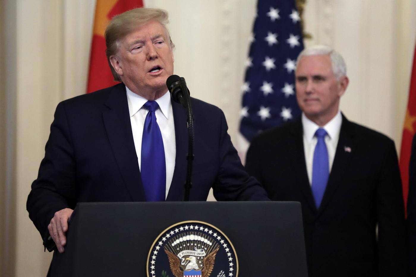 Usa, Pence non esclude 25esimo emendamento per rimozione di Trump
