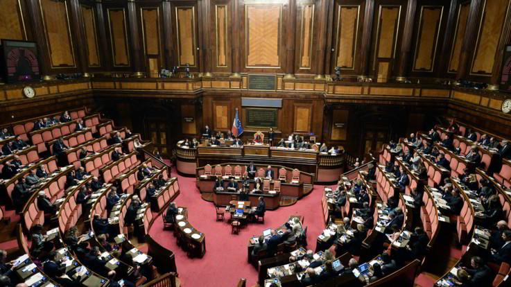 Voto dei 18enni per il Senato: arriva il sì della commissione