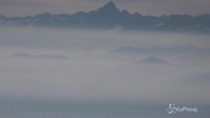 L'aria che respiriamo vista dalle Alpi: il Piemonte e la pianura Padana invasi da polveri e smog