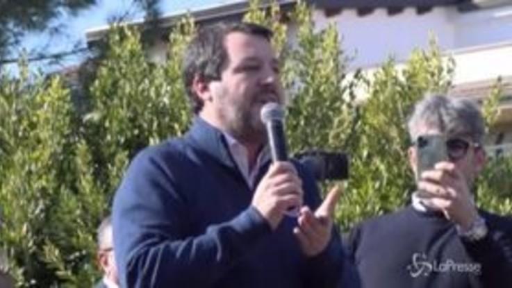 """Gregoretti, Salvini: """"Tornerò a chiudere i porti, non temo il processo"""""""