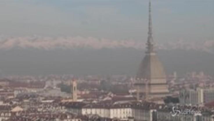 """Smog, a Torino scatta il semaforo """"viola"""": Pm10 oltre i livelli da 20 giorni"""