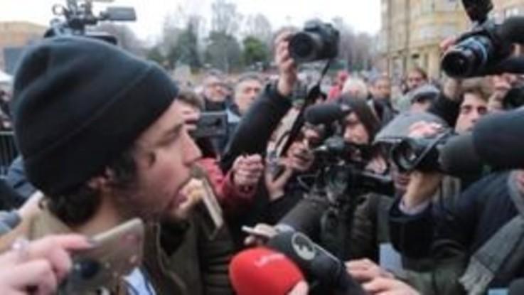 """Sardine in piazza a Bologna, Santori: """"C'è una svolta politica per il Paese"""""""