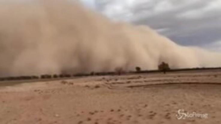 Spaventosa tempesta di sabbia in Australia