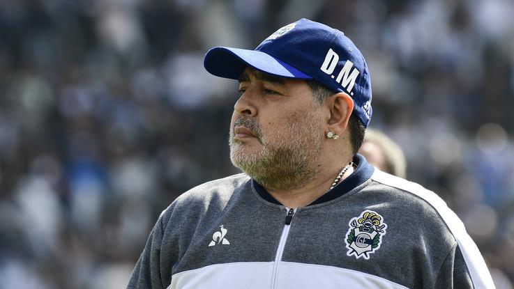 """Maradona al Napoli: """"Cammina con tuoi piedi, gioca con l'anima"""""""