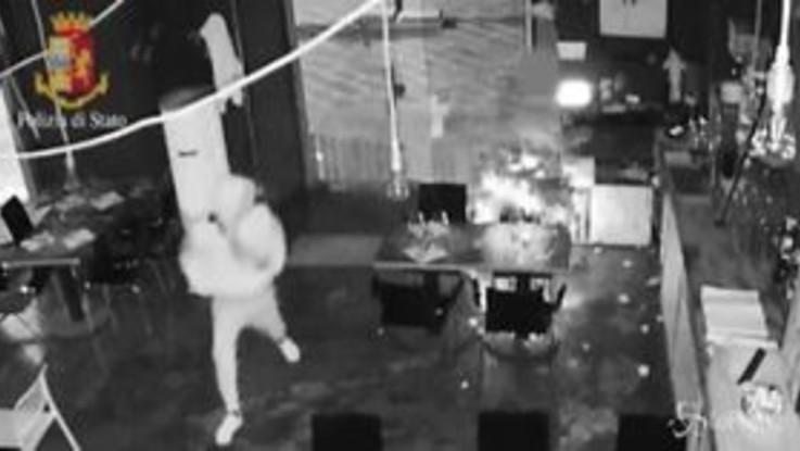 La Spezia: baby gang depredava locali pubblici con raid notturni, un altro arresto