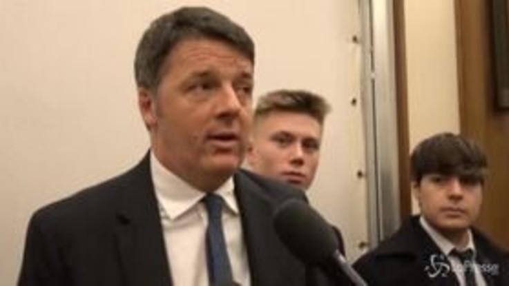 """M5s, Renzi: """"Di Maio vittima fuoco amico? Gli chiedo diritti d'autore"""""""