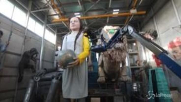Carnevale Viareggio, anche Greta Thunberg sui carri in preparazione