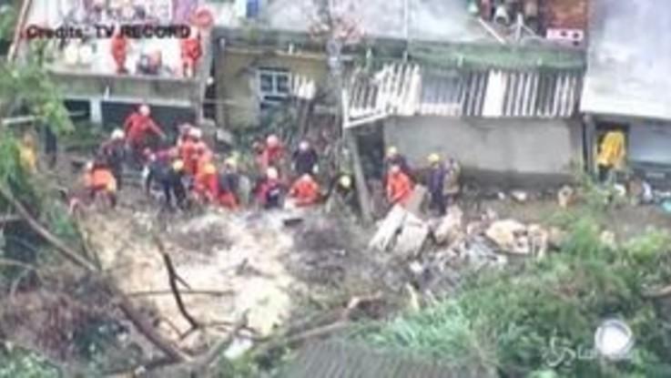 Brasile, frane nel sudest del Paese dopo le forti piogge: 11 morti