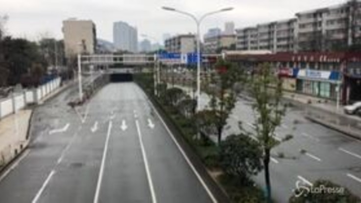 Cina, Wuhan città fantasma per il coronavirus
