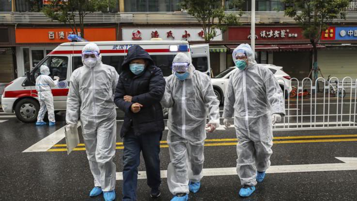 Virus cinese, i morti salgono a 106: primo contagio in Germania