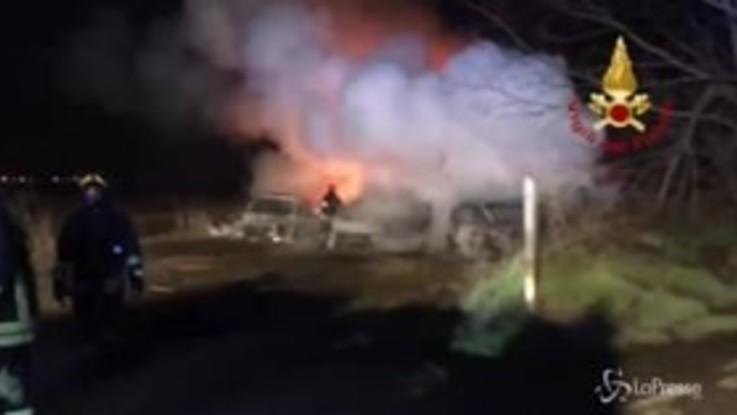 A1, fallito assalto a portavalori a Lodi: inferno di fuoco sull'autostrada