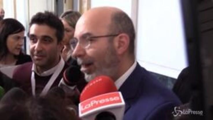 """M5S, Crimi: """"Noi non facciamo citofonate o cocktail al Papeete in cerca di consenso"""""""