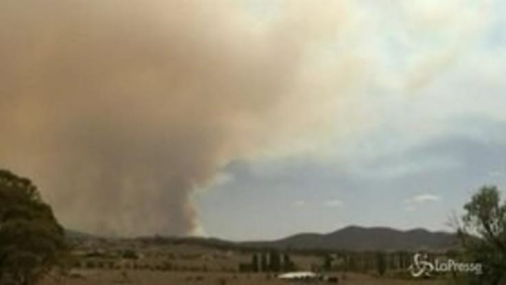 Australia, gli incendi minacciano la capitale Canberra