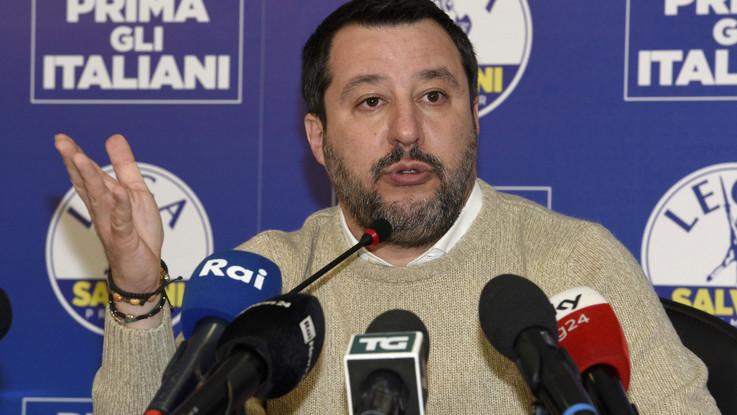 Migranti, un'altra richiesta di processo per Salvini