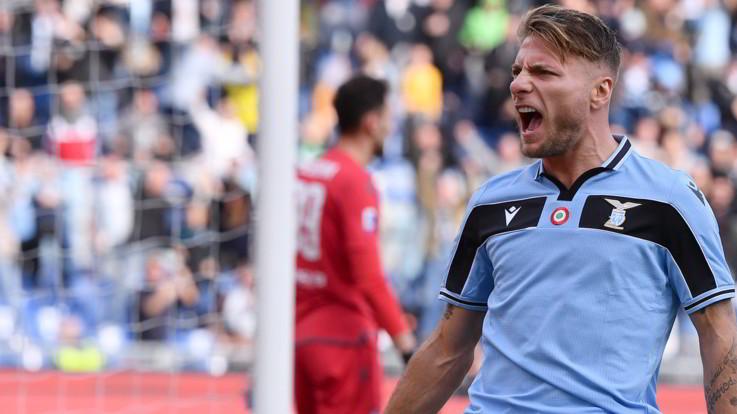 Lazio schiacciasassi: 5-1 alla Spal. Milan-Verona finisce 2-2
