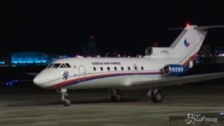 Coronavirus, cittadini cechi e slovacchi atterrano a Praga