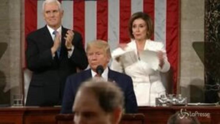 Stato dell'Unione, Nancy Pelosi straccia il discorso di Donald Trump