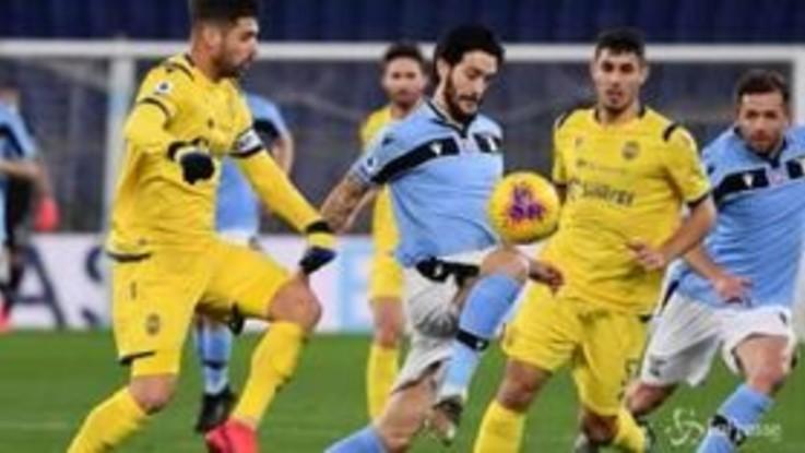 Calcio, la Lazio pareggia 0-0 col Verona e fallisce il sorpasso all'Inter