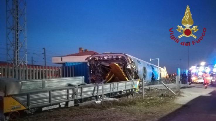 Lodi, deraglia treno alta velocità: 2 morti  e 31 feriti
