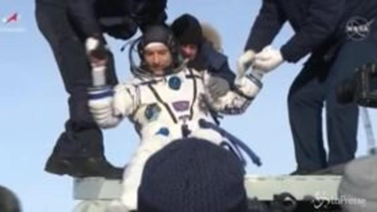 Spazio, Parmitano atterrato in Kazakistan con navetta Soyuz