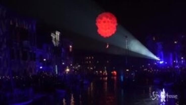 Festa sull'acqua a Venezia lungo il Rio di Cannaregio