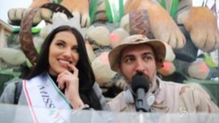 Viareggio, Miss Italia accende il secondo corso del Carnevale