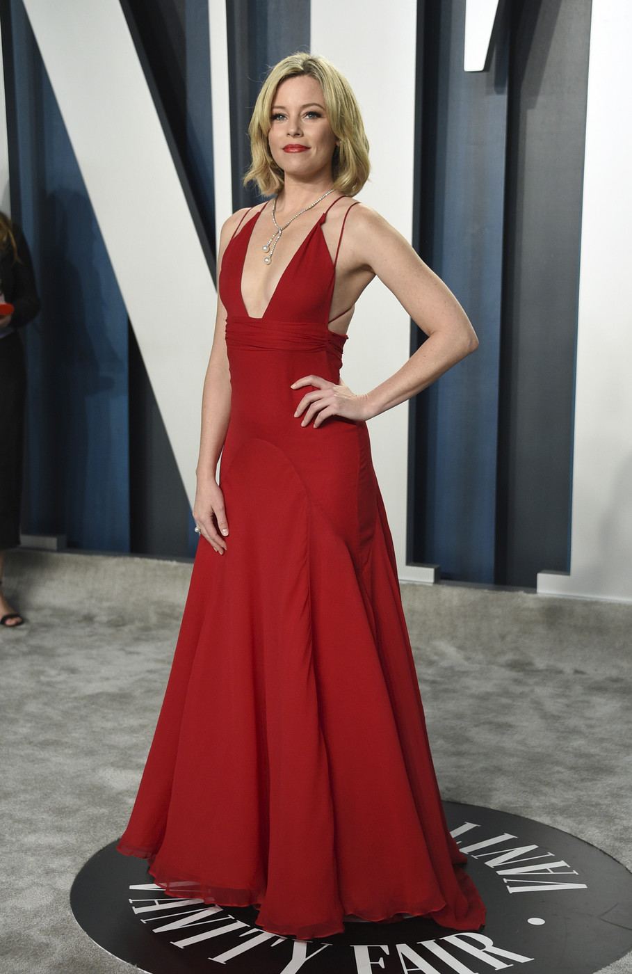 Una dea al Vanity Fair Oscar Party, Emily Ratajkowski nell'olimpo delle star